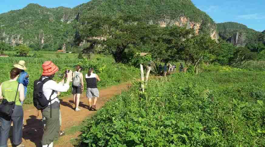 Jeep Safari Nature Tour Viñales