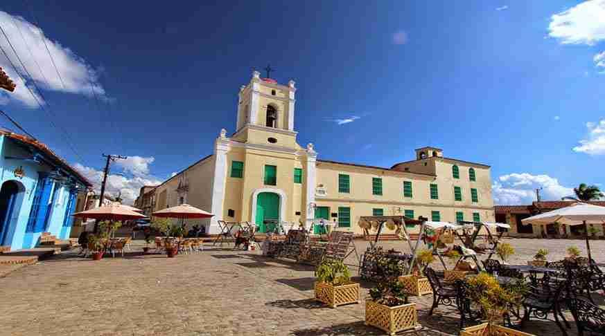viajes turisticos a camagüey. travel in cuba to camagüey. viaggio a camaguey cuba