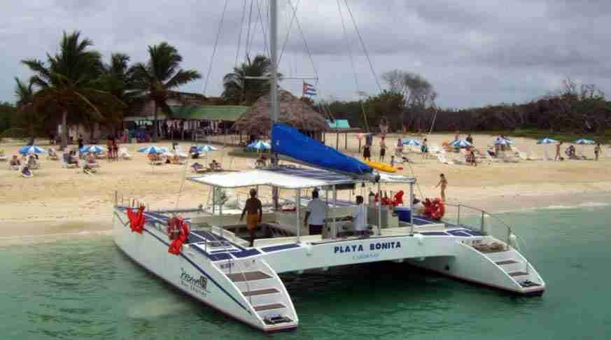 Escursione a Camaguey cuba bella spiaggia. tour of camaguey cuba. tour en camaguey playa bonita