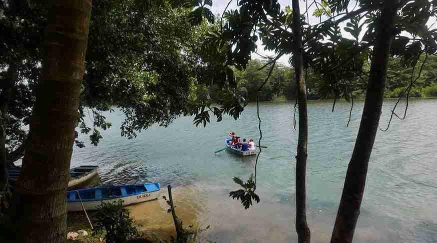 excursión en baracoa, río toa en cayuca. escorted tours cuba. escursioni a baracoa cuba