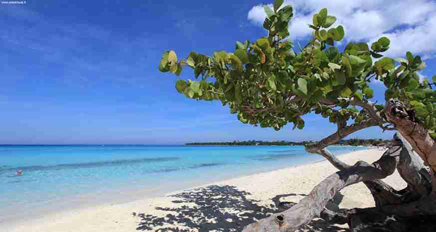 playa guardalavaca beach. spiaggia di Guardalavaca