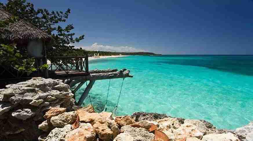 playa esmeralda holguin cuba. esmeralda beach. spiaggia esmeralda