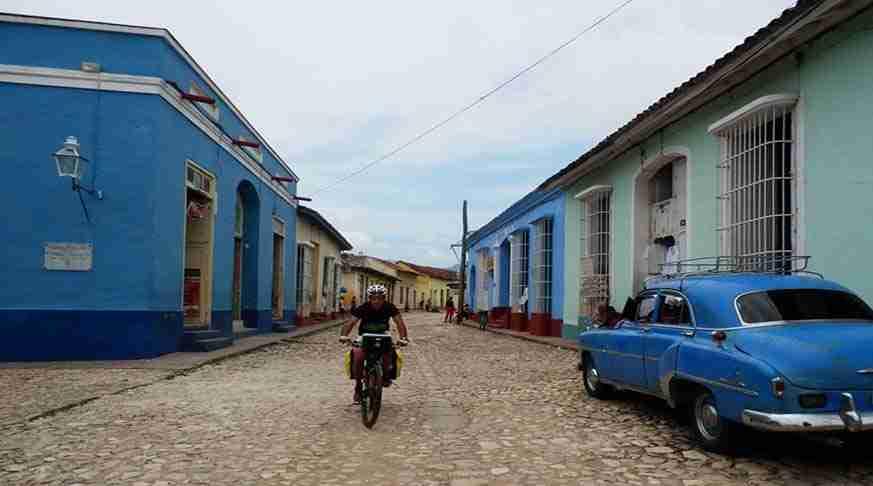 cuba excursiones en bici. trinidad cuba tours in bike. escursion a trinidad in bici