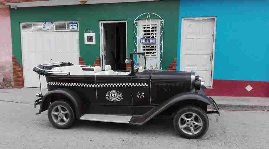 rent classic car cuba. noleggio di auto classici. alquiler de carros particulares en cuba