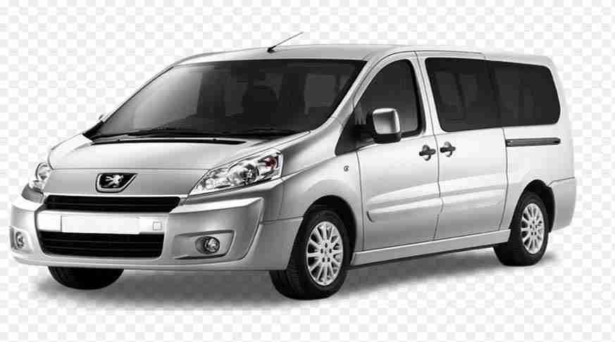 family minivan for transport to family. minivan famigliare. minivan familiar