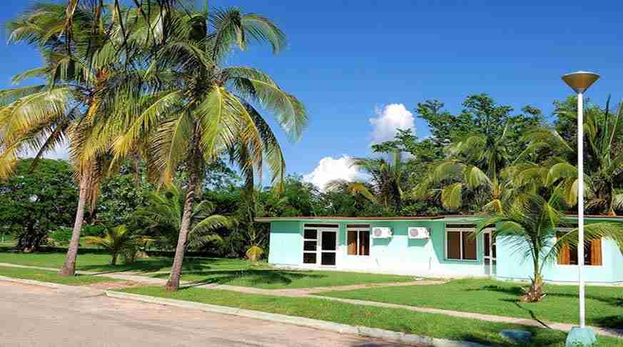 playa larga hotel in cuba. Hotel playa larga bahía de cochinos. albergo a cuba spiaggia larga