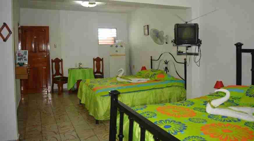 cuba bed and breakfast cienfuegos B&B hostal lopez. casa particular cienfuegos cuba hostal lopez. private house cienfuegos cuba hostel lopez