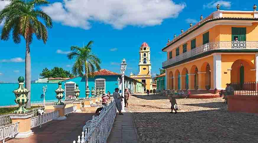 Viaggio in trinidad. centro storico di trinidad. piazza maggiore.