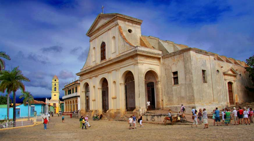 what to do and see in Cuba. trinidad church.