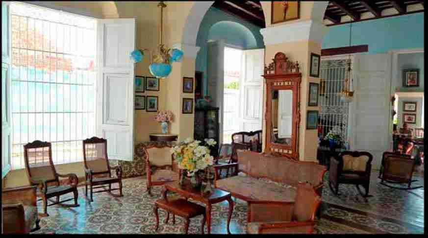 casa colonial munoz. living room. casa trinidad cuba
