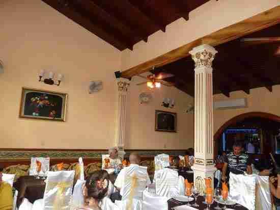 Trip to Holguín. 1910 Restaurant