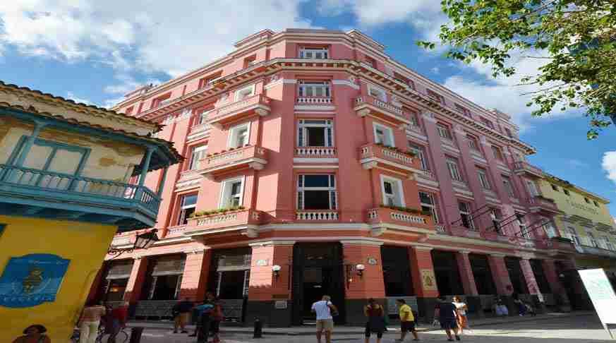hoteles económicos en la habana. alberghi economici all'avana