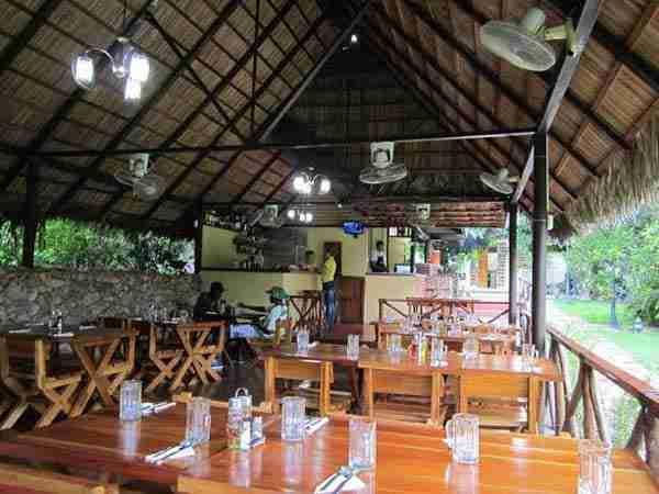 trip to santiago de cuba. el palenquito restaurant.