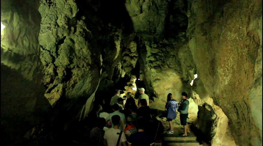 Havana Excursions to Vinales. Indian cave