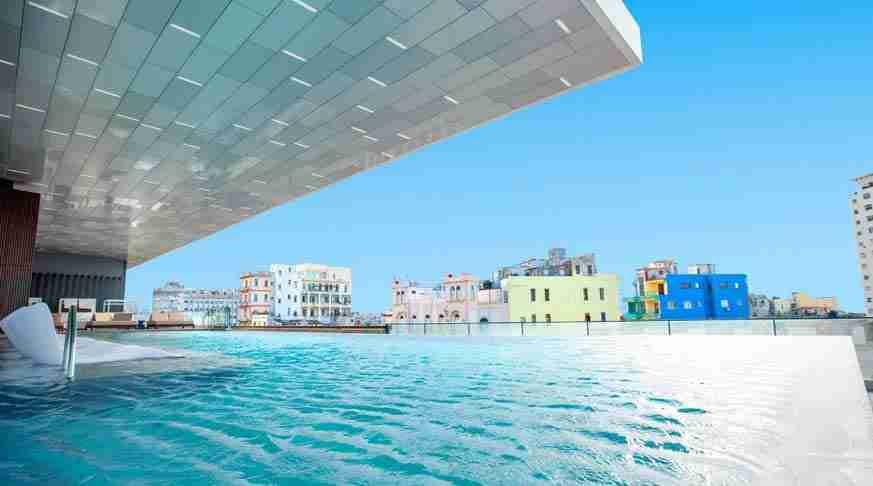 The Best Hotel in Cuba. pool Gran Packard
