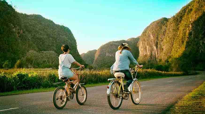 Ofertas de Excursiones en Cuba. en Bici por Viñales. escursione vinales. cycling tour cuba