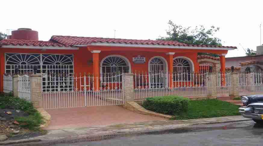 Casa Vacanza a Cuba Vinales. Casa particular viñales cuba Arcoiris. house cuba arcoiris vinales